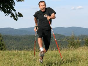 400x300Mira-ve-skoku-s-holemi,-nordic-training